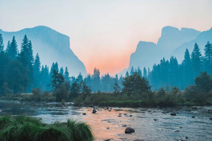 paysage de montagne à l'aube